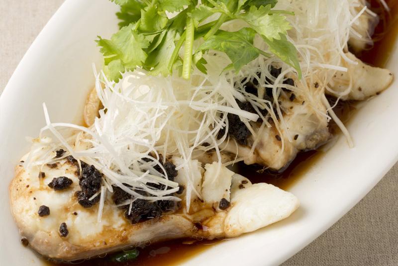 鯛のシンガポールサンバル蒸し